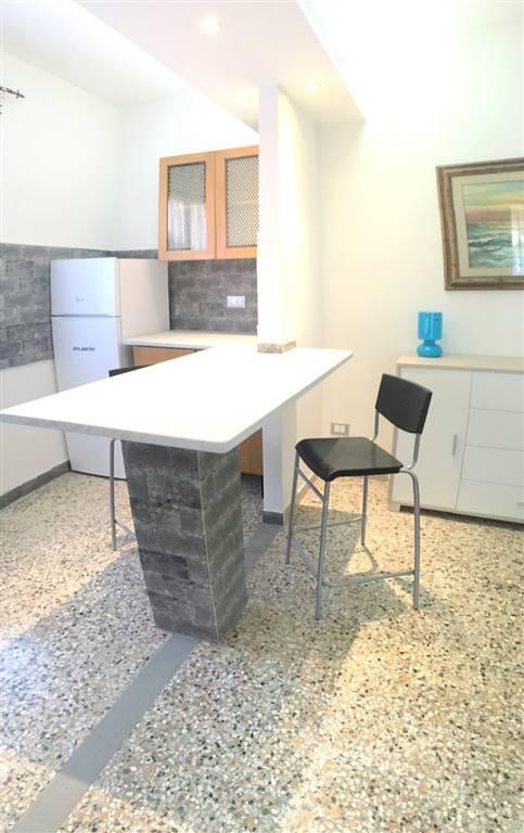 Appartamento in affitto a Sarzana, 3 locali, zona Località: CENTRO STORICO, prezzo € 400 | Cambio Casa.it
