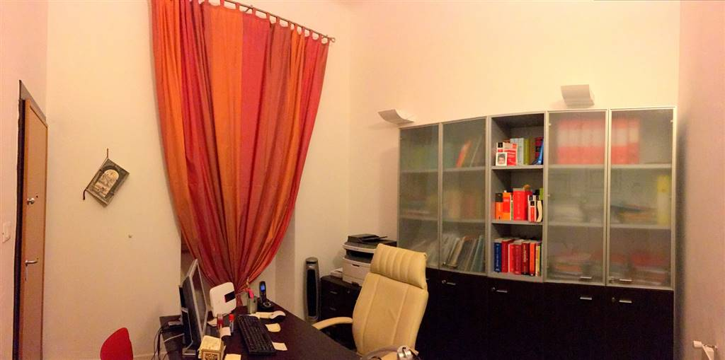 Ufficio / Studio in Affitto a Sarzana