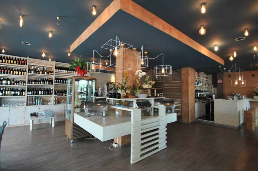 Immobile Commerciale in Vendita a Sarzana