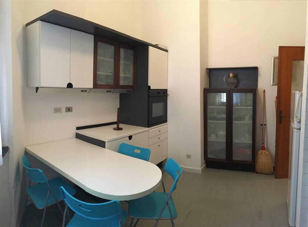Appartamento in affitto a Lerici, 4 locali, zona Località: CENTRO, prezzo € 700 | CambioCasa.it