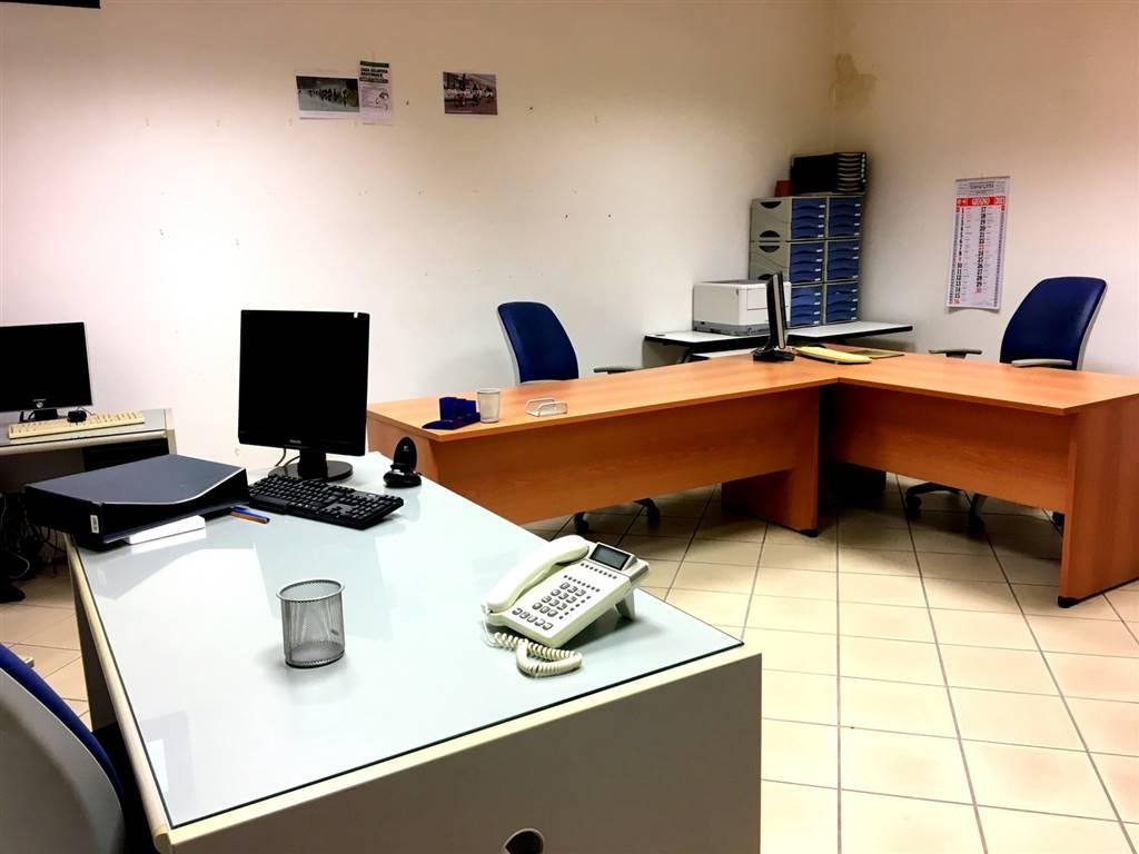 Ufficio / Studio in affitto a Castelnuovo Magra, 1 locali, zona Zona: Molicciara, prezzo € 150 | Cambio Casa.it