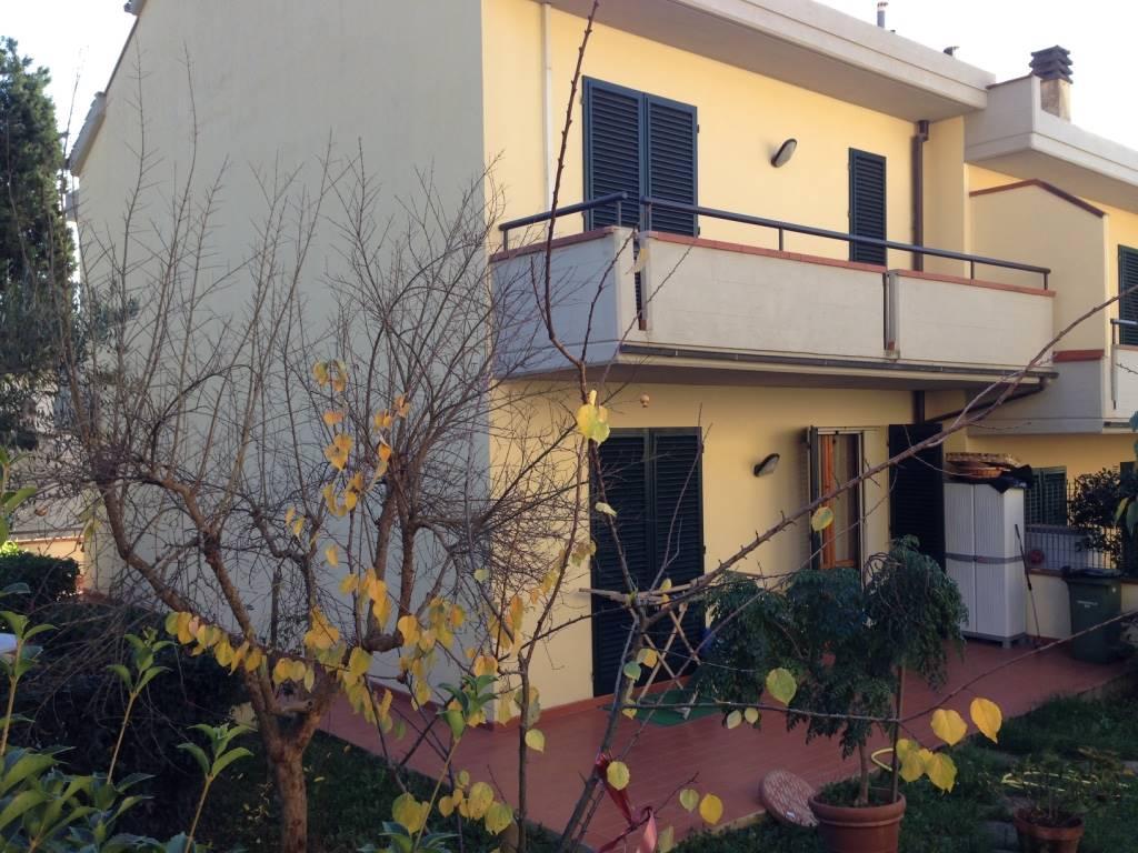 Casa calenzano cerca case a calenzano for Casein affitto