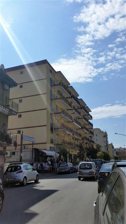 Laboratorio in affitto a San Giorgio a Cremano, 1 locali, zona Località: CENTRO VESUVIANA, prezzo € 1.500 | Cambio Casa.it