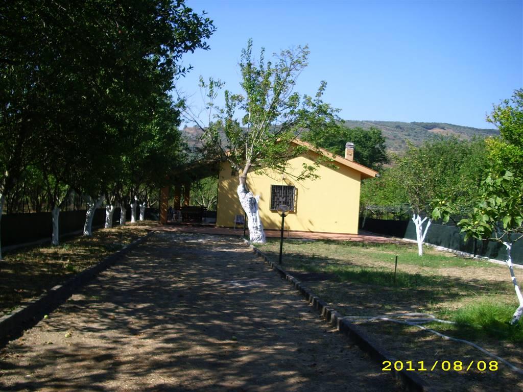 Villa in vendita a Castellabate, 3 locali, zona Zona: Ogliastro Marina, prezzo € 150.000 | Cambio Casa.it