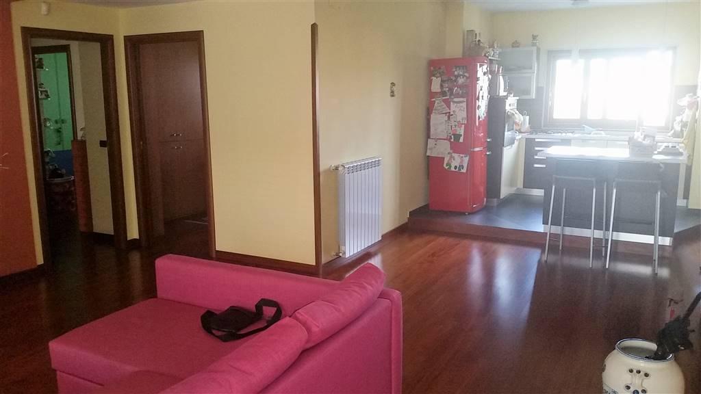 Appartamento in vendita a Pollena Trocchia, 5 locali, prezzo € 185.000 | Cambio Casa.it