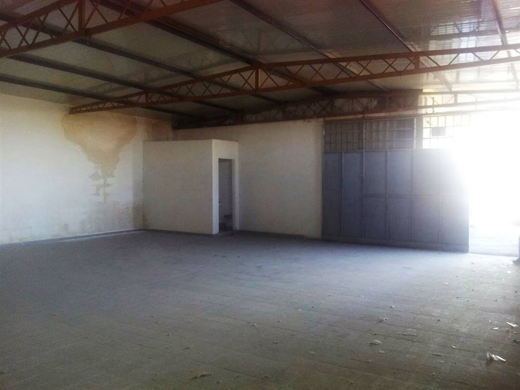 Laboratorio in affitto a San Giorgio a Cremano, 1 locali, zona Località: ALTA, prezzo € 700 | CambioCasa.it
