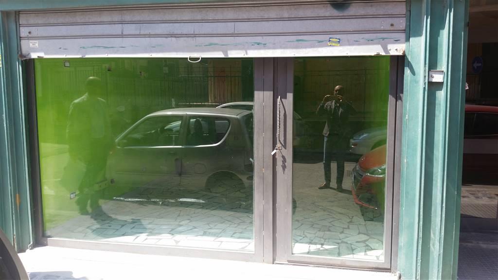 Negozio / Locale in affitto a San Giorgio a Cremano, 1 locali, zona Località: BASSA, prezzo € 500 | CambioCasa.it