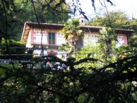 Villa in vendita a Oggebbio, 8 locali, zona Zona: Travallino, prezzo € 1.200.000 | Cambiocasa.it