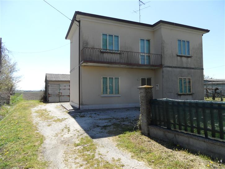 Soluzione Indipendente in vendita a Argenta, 5 locali, zona Zona: Benvignante, prezzo € 79.000 | Cambio Casa.it