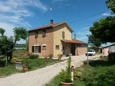 Soluzione Indipendente in vendita a Argenta, 8 locali, zona Zona: Campotto, prezzo € 55.000 | Cambio Casa.it