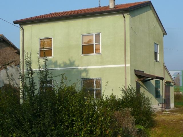 Soluzione Indipendente in vendita a Argenta, 6 locali, zona Località: ARTIGIANALE, prezzo € 95.000 | Cambio Casa.it