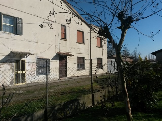 Soluzione Indipendente in vendita a Argenta, 6 locali, zona Zona: San Biagio, prezzo € 38.000 | Cambio Casa.it