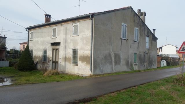 Soluzione Indipendente in vendita a Massa Lombarda, 10 locali, prezzo € 86.000 | Cambio Casa.it