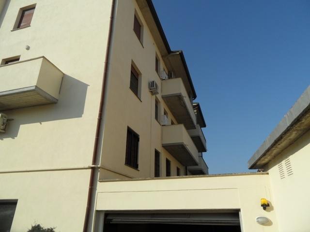 Appartamento in vendita a Conselice, 6 locali, prezzo € 80.000   Cambio Casa.it
