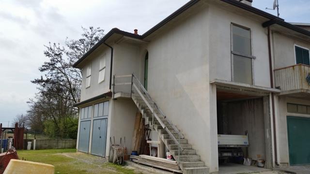 Soluzione Indipendente in vendita a Conselice, 4 locali, zona Località: SAN PATRIZIO, prezzo € 85.000 | Cambio Casa.it