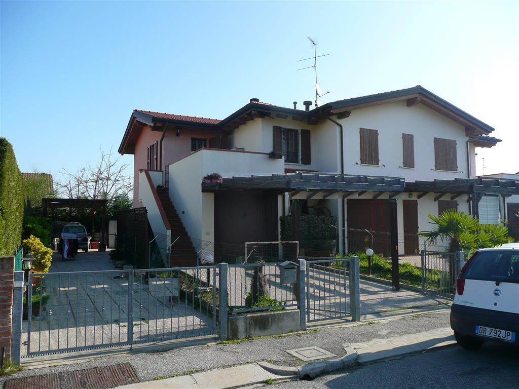 Villa a Schiera in vendita a Fusignano, 4 locali, zona Località: SAN SAVINO, prezzo € 112.000 | Cambio Casa.it