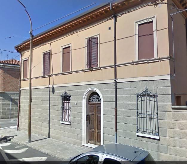 Appartamento in affitto a Argenta, 4 locali, prezzo € 500   Cambio Casa.it