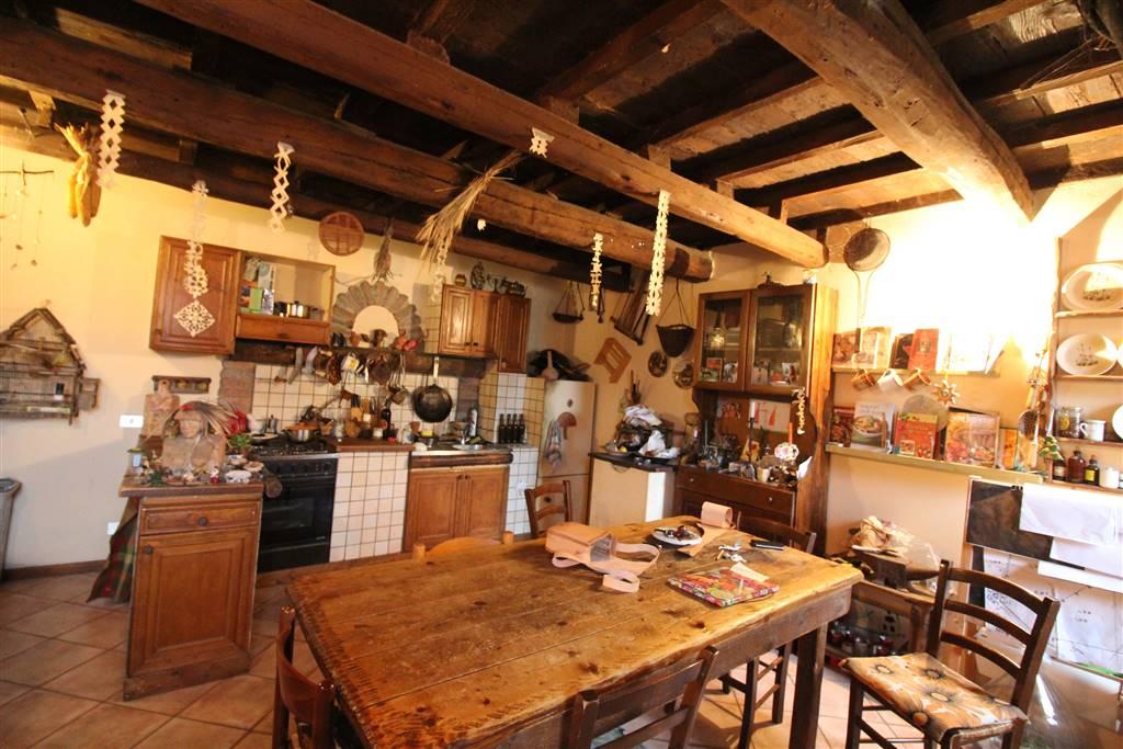 Rustico / Casale in vendita a Argenta, 10 locali, prezzo € 120.000 | Cambio Casa.it