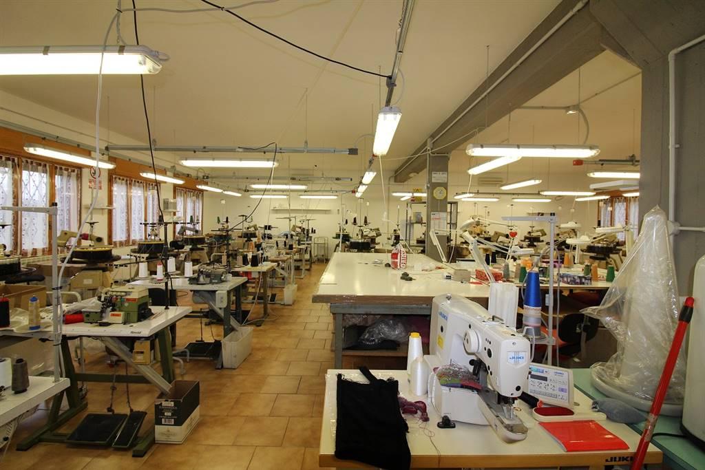 Laboratorio in vendita a Argenta, 3 locali, zona Zona: San Nicolò, prezzo € 195.000   Cambio Casa.it