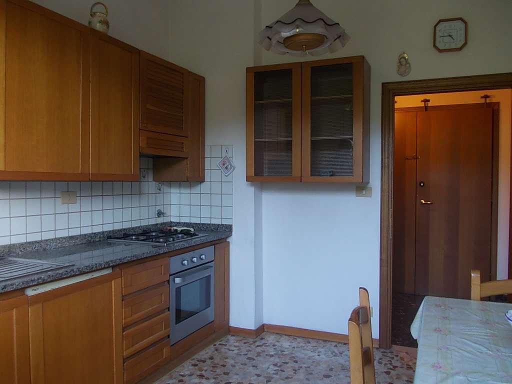 Appartamento in vendita a Impruneta, 3 locali, zona Zona: Tavarnuzze, prezzo € 165.000 | Cambio Casa.it