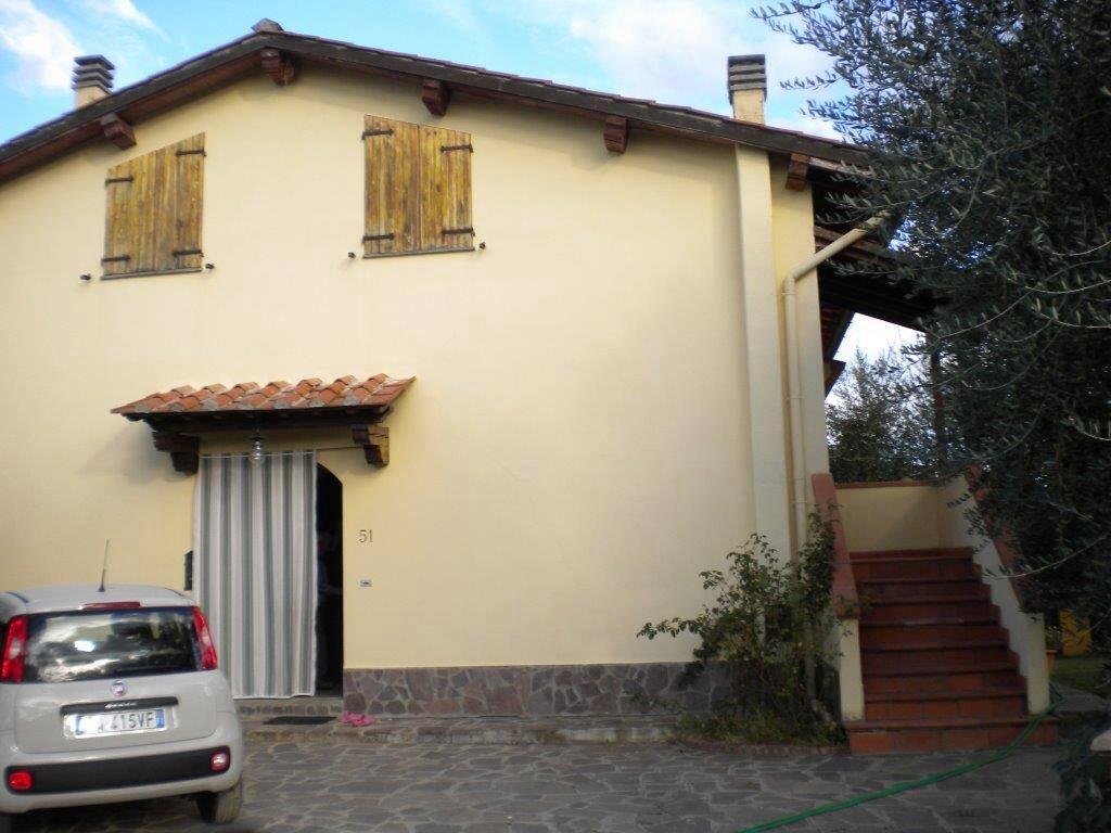 Villa in vendita a Reggello, 10 locali, zona Zona: Cancelli, prezzo € 550.000 | Cambio Casa.it