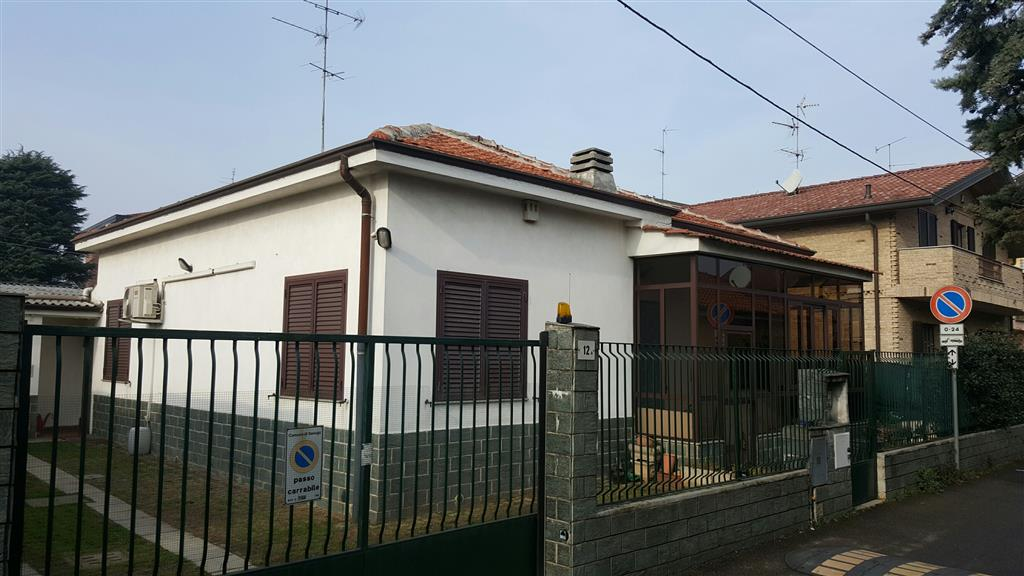 Villa in vendita a Senago, 3 locali, prezzo € 295.000 | Cambio Casa.it