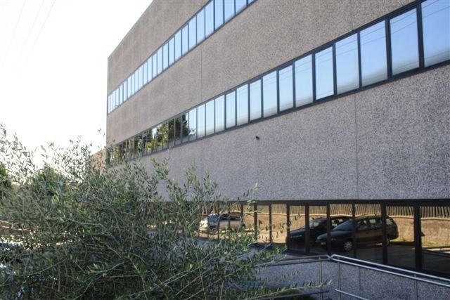 Ufficio / Studio in affitto a Limbiate, 5 locali, prezzo € 1.800 | Cambio Casa.it