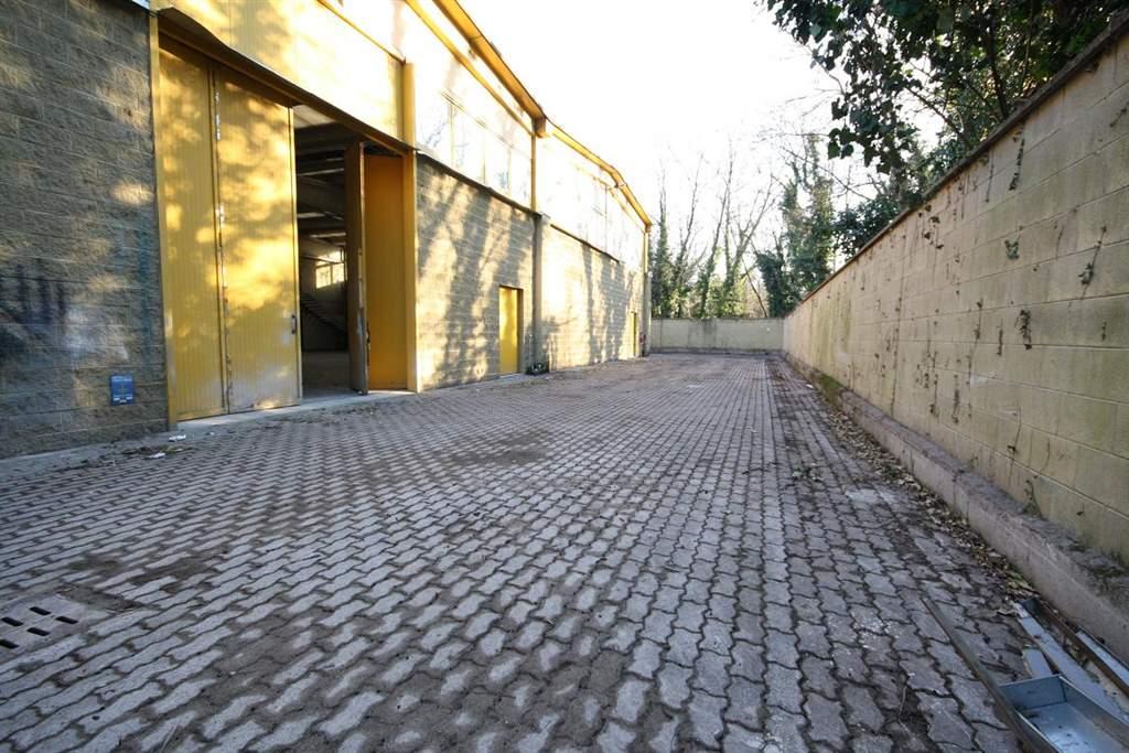 Capannone in vendita a Garbagnate Milanese, 1 locali, prezzo € 450.000 | CambioCasa.it