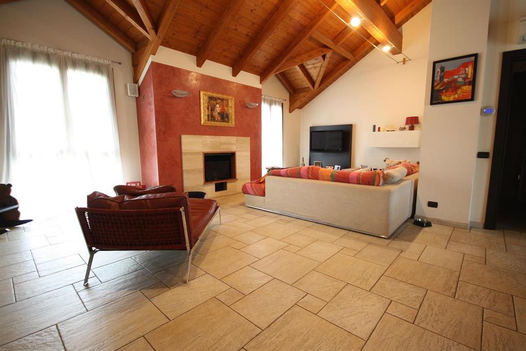 Attico / Mansarda in vendita a Senago, 4 locali, prezzo € 450.000   Cambio Casa.it