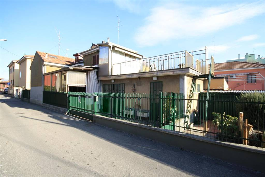 Villa in vendita a Senago, 3 locali, prezzo € 120.000   Cambio Casa.it