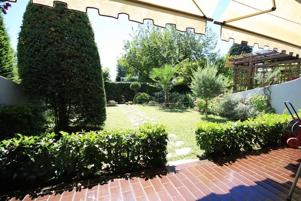 Soluzione Indipendente in vendita a Bollate, 3 locali, zona Zona: Cassina Nuova, prezzo € 268.000 | Cambio Casa.it