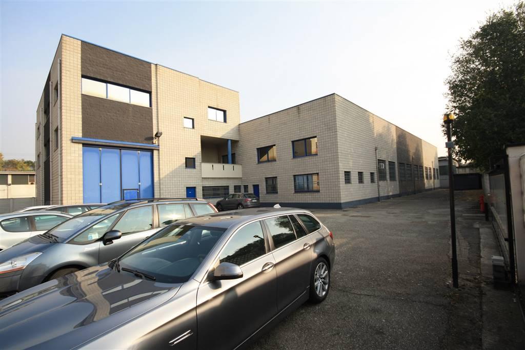 Capannone in affitto a Senago, 10 locali, prezzo € 8.000 | CambioCasa.it