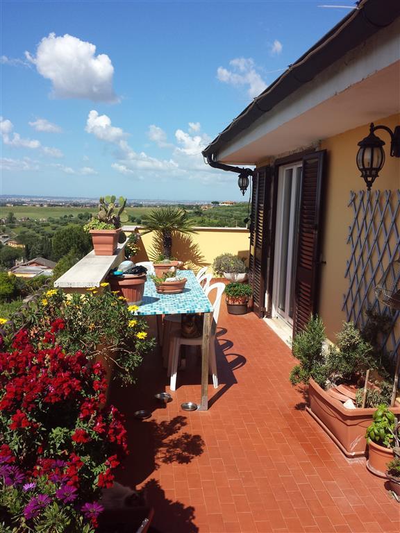 Trilocale, Santa Lucia, Fonte Nuova, in ottime condizioni