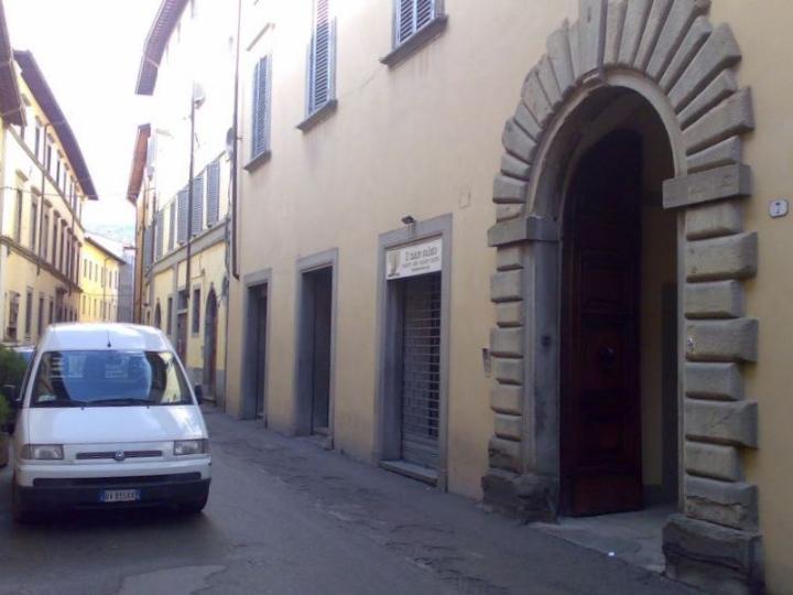 Negozio / Locale in affitto a Città di Castello, 1 locali, zona Località: CENTRO STORICO, prezzo € 750 | CambioCasa.it