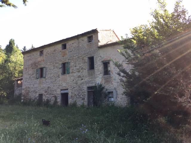 Rustico / Casale in vendita a Città di Castello, 15 locali, zona Località: VALDIPETRINA, prezzo € 280.000 | CambioCasa.it