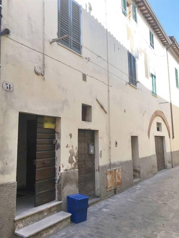 Appartamento in vendita a Città di Castello, 4 locali, zona Località: CENTRO STORICO, prezzo € 65.000 | CambioCasa.it