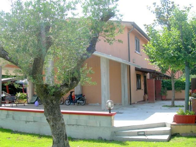 Villa a schiera, Ceprano