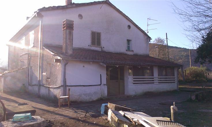 Casa singola, Pastena, da ristrutturare