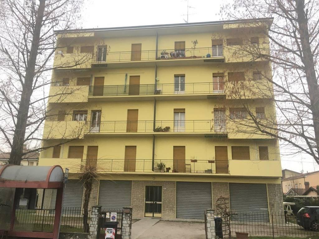 Palazzo / Stabile in Vendita a Crevalcore