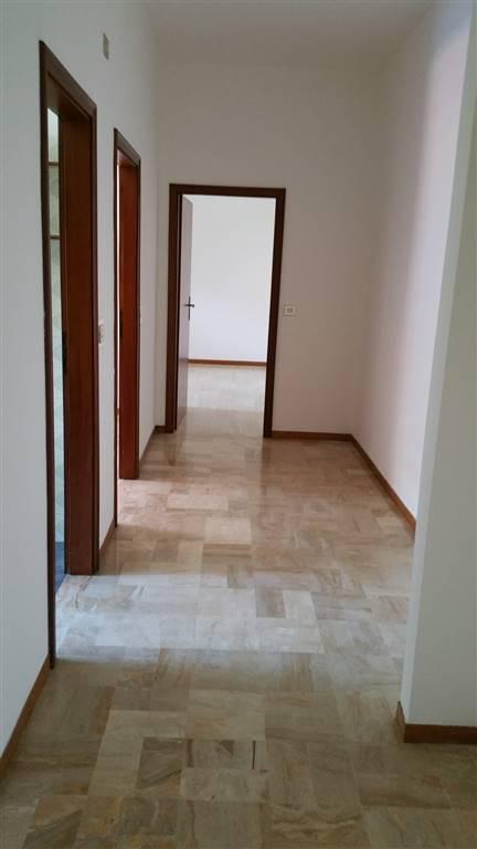 Appartamento in affitto a San Giovanni in Persiceto, 4 locali, prezzo € 500 | CambioCasa.it