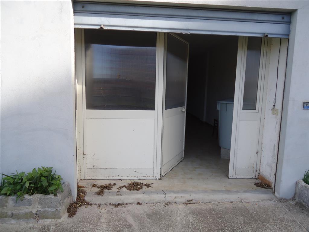 garage-Box-posto auto  in Vendita a Nuoro