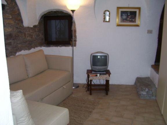 Trilocale in Via Angeli, Apricale
