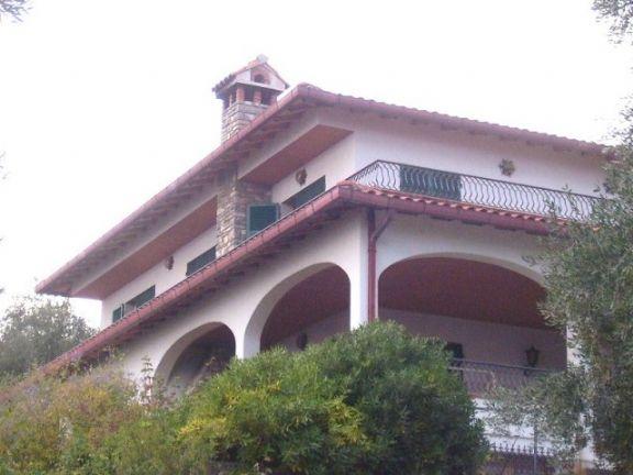 Villa in vendita a Ventimiglia, 10 locali, zona Zona: San Lorenzo, prezzo € 950.000 | Cambio Casa.it