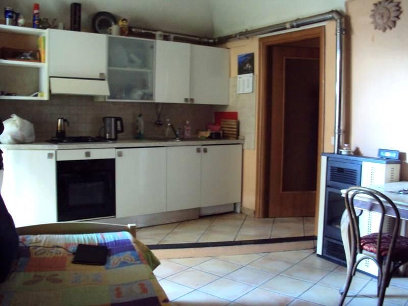 Appartamento in vendita a Dolceacqua, 2 locali, prezzo € 117.000 | CambioCasa.it