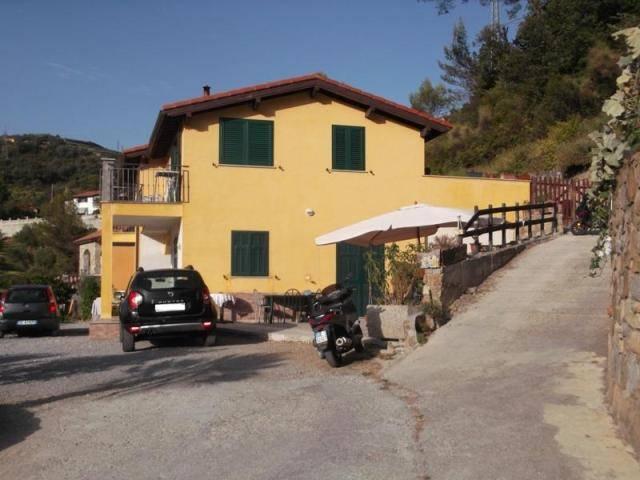 Appartamento in vendita a Camporosso, 4 locali, prezzo € 250.000 | CambioCasa.it