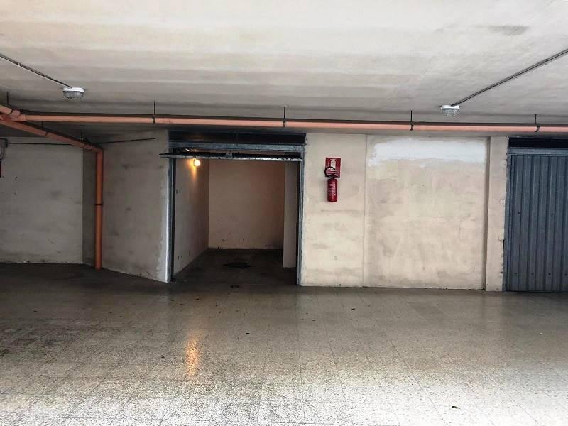 garage-Box-posto auto  in Vendita a Lecce
