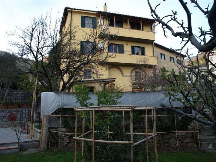 Villa in vendita a Calci, 10 locali, prezzo € 850.000 | Cambio Casa.it
