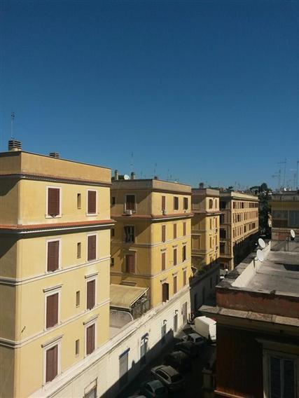 Trilocale, Testaccio, Roma, ristrutturato