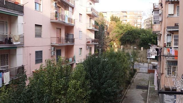 Trilocale in Via Rocco Jemma 21, Arenella, Napoli