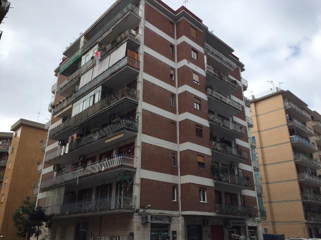 Appartamento a NAPOLI 5 Vani